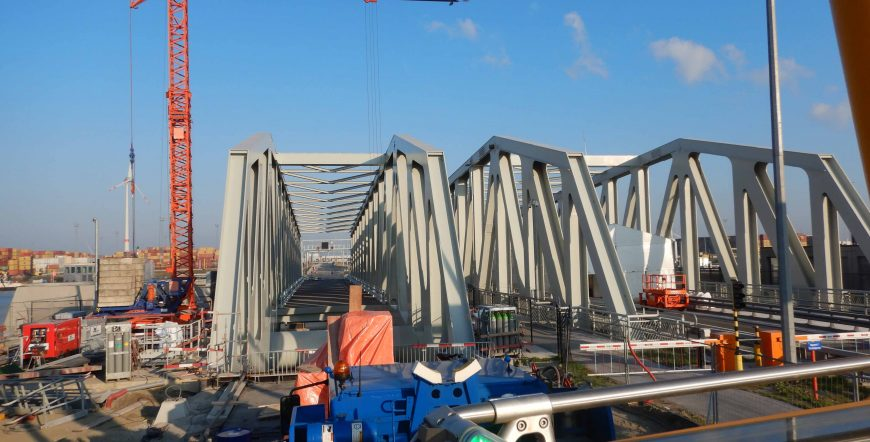 BALLAST BLOCKS FOR NEW BRIDGES